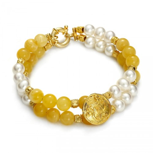 Bracalet with pearls and natural amber