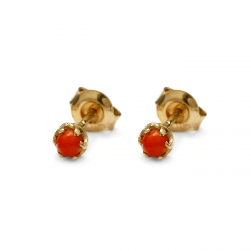Gold earrings with natural coral