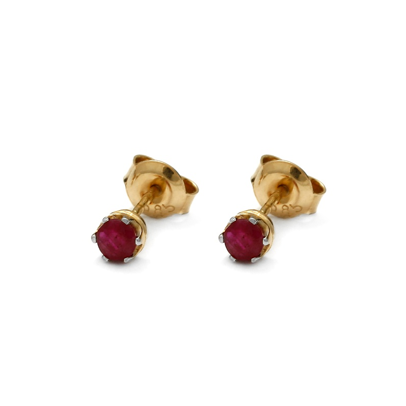 Gold earrings with natural ruby