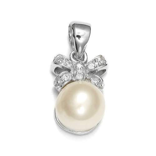 Silver pendant with pearl and zircons
