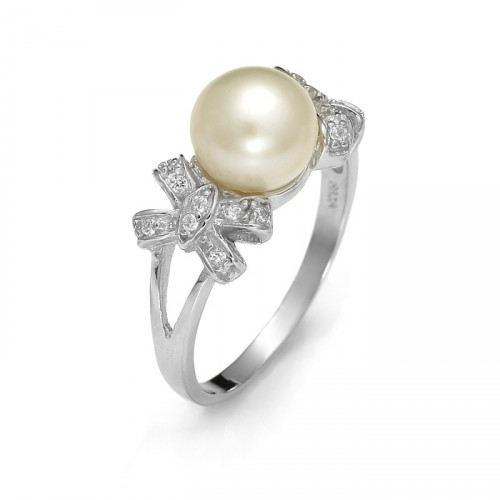 Silver ring with freshwater pearl and zircons