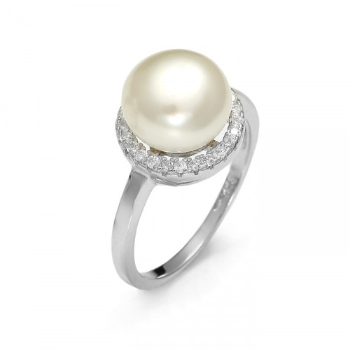 Round ring with pearl and zircons
