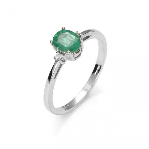Gold ring with emerald with diamond